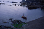 A072HN Fishing boat Lizard Point, Cornwall, England