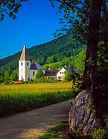 Deutschland, Bayern, Oberbayern, Chiemgau, Ruhpolding: evangelische Kirche | Germany, Bavaria, Upper Bavaria, Chiemgau, Ruhpolding: protestant church
