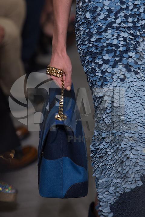 SAO PAULO, SP, 23.10.2016 - SPFW-ANIMALE - Modelo durante desfile da grife Animale, durante o São Paulo Fashion Week edição 42 na Tower Bridge região sul de Sao Paulo, neste domingo, 23 (Foto: Ciça Neder / Brazil Photo Press)