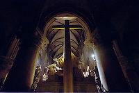 Notre Dame church  , France-Paris -  25/12/2002 .