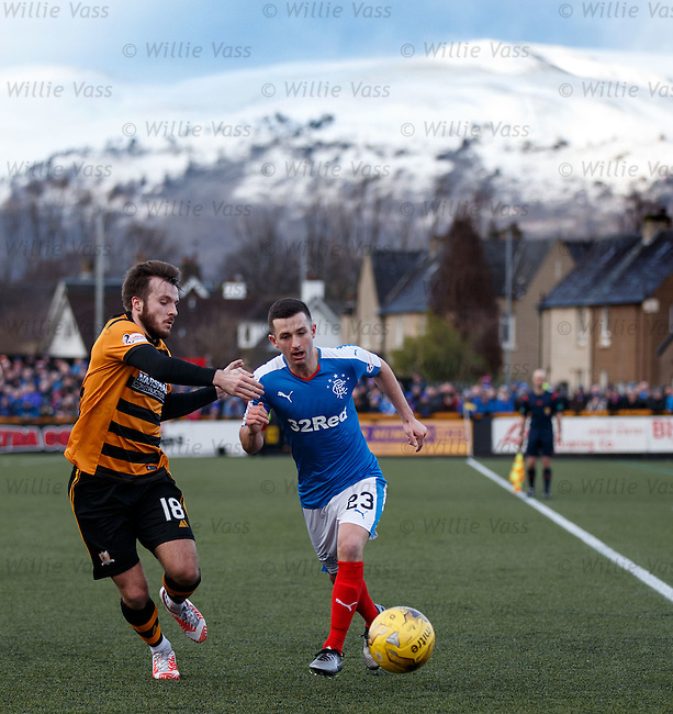 Jason Holt runs past Steven Hetherington