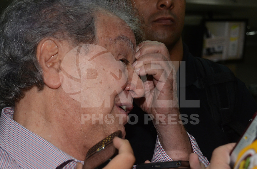 SAO PAULO, SP, 15 MARCO 2013 -   Presidente Juvenal Juvencio no desembarquer da equipe do  Sao Paulo após partida contra o Arsenal da Argentina valida pela taca Libertadores da America, no aeroporto de Cumbica , em Guarulhos. nesta sexta feira 15. (FOTO: ALAN MORICI / BRAZIL PHOTO PRESS).