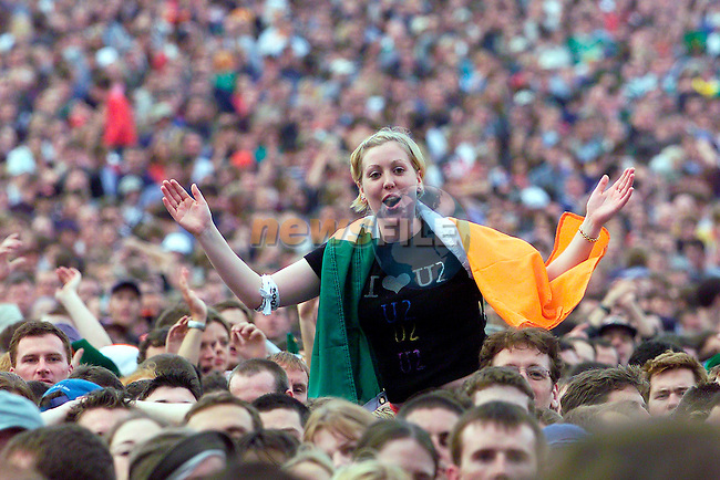 the crowd goes wild as Mobi goes on stage at Slane Concert in Co Meath.Pic Fran Caffrey Newsfile