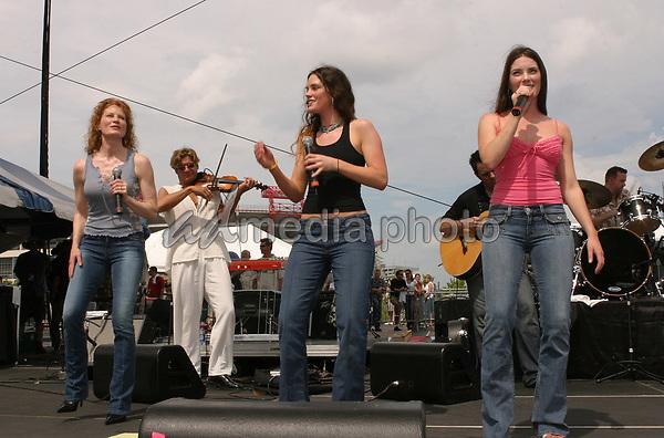 June 13th, 2004:  Nashville, TN, USA: CMA Music Festival Convention RiverFront Stages Day 4.  The Jenkins Performs.  Mandatory Photo Credit:  Ferguson/Admedia (c) Kevin Ferguson/2004