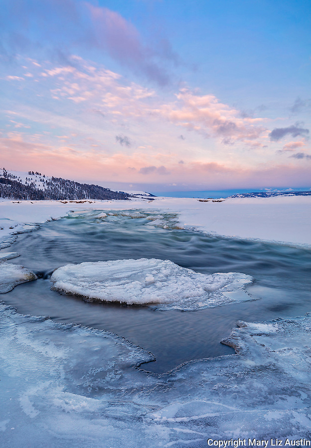 Yellowstone National Park, Wyoming: Lamar River in winter at sunrise