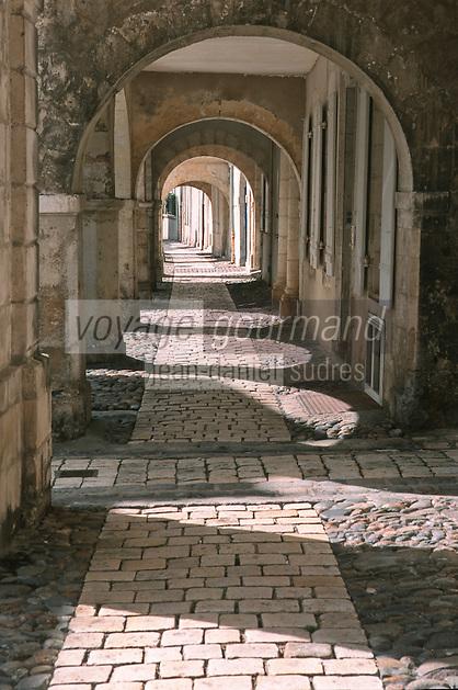France/17/Charente Maritime/La Rochelle: Rue du Porche quartier Saint Nicolas