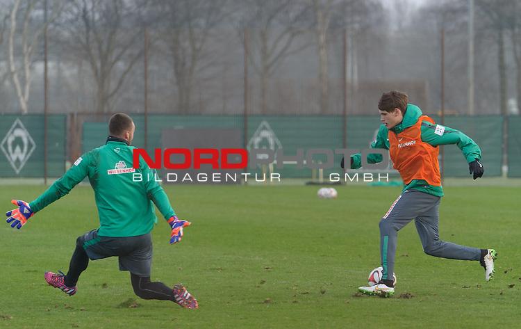 21.01.2015, Trainingsgelaende, Bremen, GER, 1.FBL, Training Werder Bremen, im Bild Raif Husic (Bremen #40), Luca Zander (Bremen #19)<br /> <br /> Foto &copy; nordphoto / Frisch