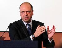 Conferenza stampa del  ministro Angelino Alfano dopo un vertice nazionale sulla sicurezza al sud