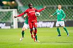 Moussa Diaby (Leverkusen #19), <br /> Maximilian Eggestein (Werder Bremen #35)<br /> <br /> <br /> Sport: Fussball: 1. Bundesliga: Saison 19/20: <br /> 26. Spieltag: SV Werder Bremen vs Bayer 04 Leverkusen, 18.05.2020<br /> <br /> Foto ©  gumzmedia / Nordphoto / Andreas Gumz / POOL <br /> <br /> Nur für journalistische Zwecke! Only for editorial use!<br />  DFL regulations prohibit any use of photographs as image sequences and/or quasi-video.