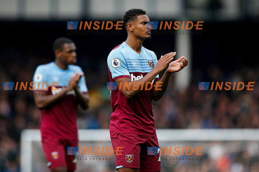 Sebastien Haller of West Ham United applauds the away fans after the Premier League match between Everton and West Ham United at Goodison Park on October 19th 2019 in Liverpool, England. (Photo by Daniel Chesterton/phcimages.com)<br /> Foto PHC/Insidefoto <br /> ITALY ONLY
