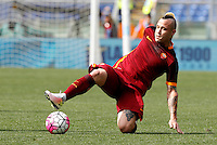 Calcio, Serie A: Lazio vs Roma. Roma, stadio Olimpico, 3 aprile 2016.<br /> Roma's Radja Nainggolan in action during the Italian Serie A football match between Lazio and Roma at Rome's Olympic stadium, 3 April 2016.<br /> UPDATE IMAGES PRESS/Riccardo De Luca