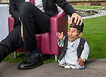world's tallest and shortest men meet