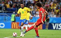 KAZAN - RUSIA, 06-07-2018: PAULINHO (Izq) jugador de Brasil disputa el balón con Axel WITSEL (Der) jugador de Bélgica durante partido de cuartos de final por la Copa Mundial de la FIFA Rusia 2018 jugado en el estadio Kazan Arena en Kazán, Rusia. / PAULINHO (L) player of Brazil fights the ball with Axel WITSEL (R) player of Belgium during match of quarter final for the FIFA World Cup Russia 2018 played at Kazan Arena stadium in Kazan, Russia. Photo: VizzorImage / Julian Medina / Cont