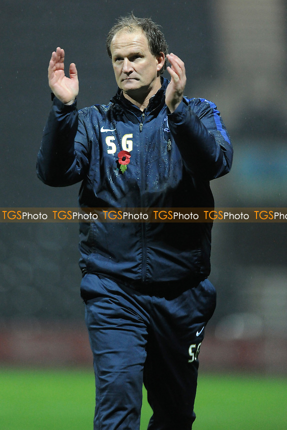Preston North End manager Simon Grayson applauds the fans at the final whistle during Preston North End vs Nottingham Forest, Sky Bet Championship Football at Deepdale, Preston, England on 03/11/2015