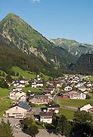 Austria, Vorarlberg, Schoppernau with Uentschenspitze mountain