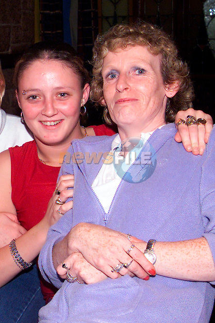 Leona Dyas and Angela Gribbon enjoying a night out in the Linen Hall..Picture: Paul Mohan/Newsfile