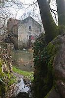 Europe/France/Aquitaine/24/Dordogne/Grand-Brassac: Moulin de Rochereuil   construit au XII ème siècle utilisé pour la fabrication de l'huile de noix