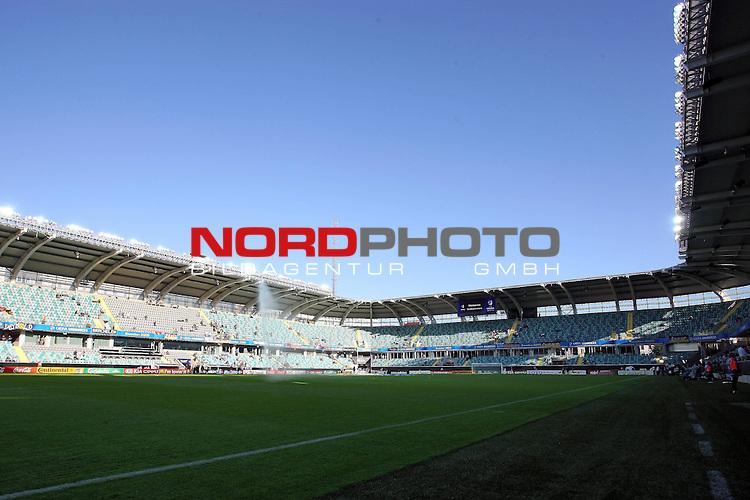 UEFA U21 Europameisterschaft / EM Europeen Championship Under 21 2009 Schweden / Sweden - GŲteborg / Gothenborg 15.06.2009 Group B - Matchday 1 Gamla Ullevi Stadion<br /> <br /> Match 2: Spanien / Spain (ESP) vs. Deutschland / Germany (GER)<br /> <br /> Das Stadion fŁllt sich vor dem Spiel und der Rasen wird gesprengt.<br /> <br /> Foto &copy; nph ( nordphoto ) *** Local Caption *** Fotos sind ohne vorherigen schriftliche Zustimmung ausschliesslich fŁr redaktionelle Publikationszwecke zu verwenden. Auf Anfrage in hoeherer Qualitaet/Aufloesung *** Local Caption *** <br /> Fotos sind ohne vorherigen schriftliche Zustimmung ausschliesslich fŁr redaktionelle Publikationszwecke zu verwenden.<br /> <br /> Auf Anfrage in hoeherer Qualitaet/Aufloesung