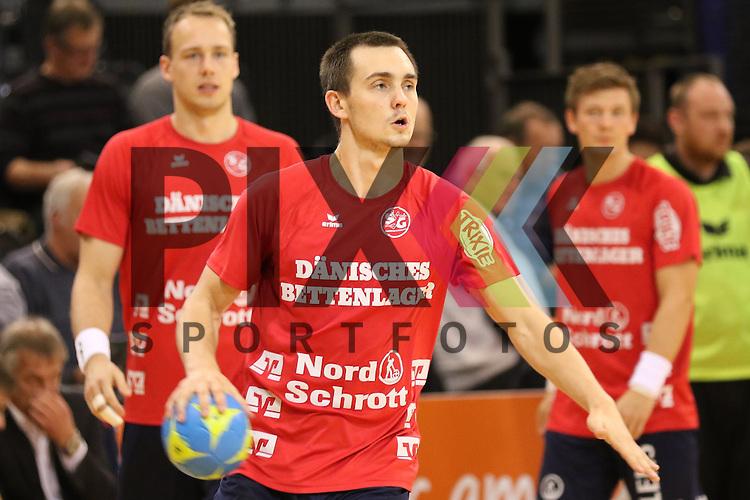 Flensburg, 02.12.15, Sport, Handball, DKB Handball Bundesliga, Saison 2015/2016, SG Flensburg-Handewitt-Rhein-Neckar L&ouml;wen : Hampus Wanne (SG Flensburg-Handewitt, #14)<br /> <br /> Foto &copy; PIX-Sportfotos *** Foto ist honorarpflichtig! *** Auf Anfrage in hoeherer Qualitaet/Aufloesung. Belegexemplar erbeten. Veroeffentlichung ausschliesslich fuer journalistisch-publizistische Zwecke. For editorial use only.