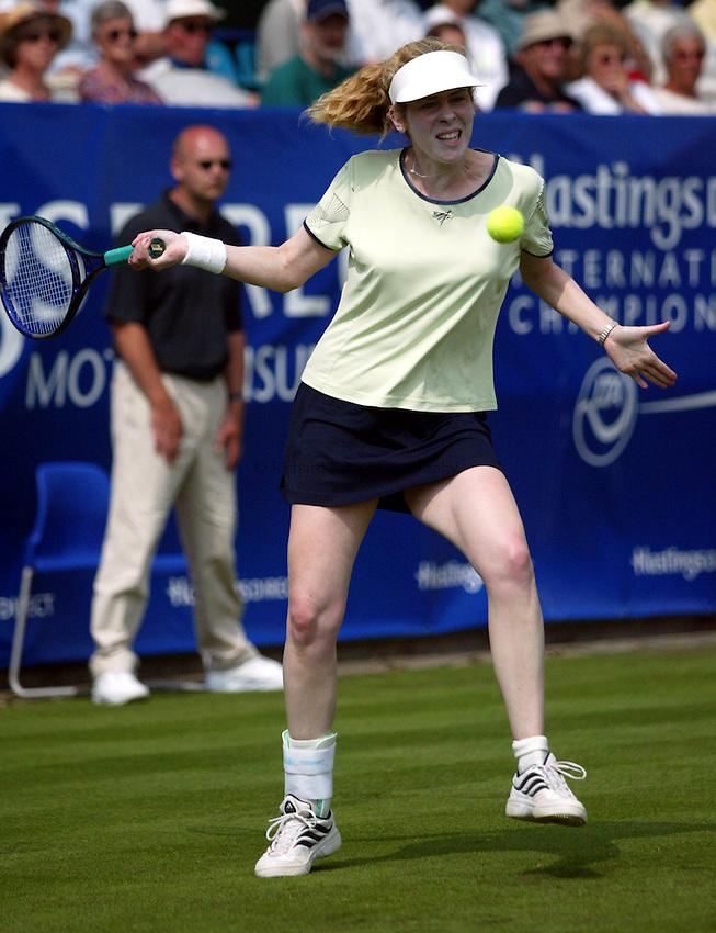 Photograph: Scott Heavey..Hastings Direct Womens Tennis.  Eastbourne. 17/06/2003..Amy Frazier
