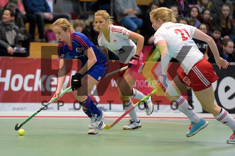 GER - Luebeck, Germany, February 06: During the 1. Bundesliga Damen indoor hockey semi final match at the Final 4 between Rot-Weiss Koeln (white) and Mannheimer HC (blue) on February 6, 2016 at Hansehalle Luebeck in Luebeck, Germany. Final score 1-2 (HT 0-2).   Greta Lyer #10 of Mannheimer HC<br /> <br /> Foto &copy; PIX-Sportfotos *** Foto ist honorarpflichtig! *** Auf Anfrage in hoeherer Qualitaet/Aufloesung. Belegexemplar erbeten. Veroeffentlichung ausschliesslich fuer journalistisch-publizistische Zwecke. For editorial use only.