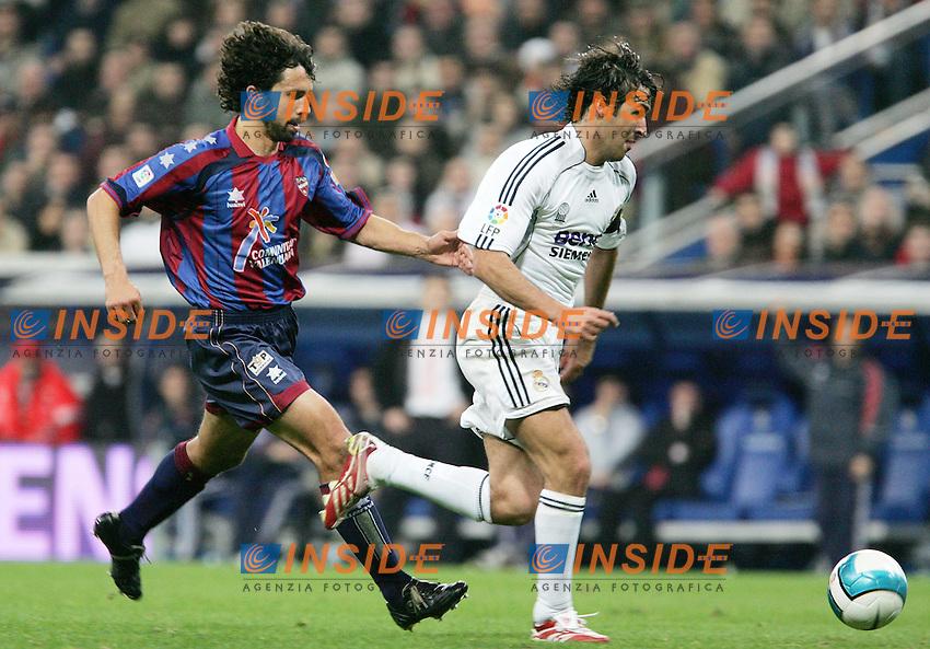 Real Madrid's Raul against Levante's Damiano Tommasi during Spain's La Liga match at Santiago Bernabeu stadium in Madrid, Sunday February 04, 2007. (INSIDE/ALTERPHOTOS/Alvaro Hernandez).