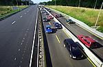 AMSTERDAM - Werkzaamheden aan de Amsterdamse ringweg A10-West. Hoewel de werkzaamheden aan de weg, vangrails, geluidsschermen en het asfalteren nog wel even voortduurt, zijn vanaf deze week de doelgroepafritten vanuit zuidelijke richting weer bereikbaar. COPYRIGHT TON BORSBOOM