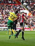 Ched Evans of Sheffield Utd in action with Alexander Tettey of Norwich City during the Championship match at Bramall Lane Stadium, Sheffield. Picture date 16th September 2017. Picture credit should read: Jamie Tyerman/Sportimage