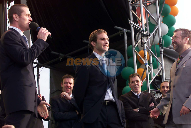 Shea Given singing happy birthday to jason McAteer while a crowd of over 120,000 people packed the phoenix park to welcome the Irish Team home from the World Cup.Picture Fran Caffrey Newsfile/AFP