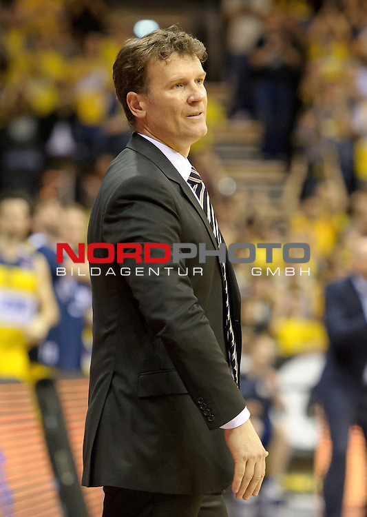 11.04.2015, EWE Arena, Oldenburg, GER, Beko BBL Top Four, Halbfinale, EWE Baskets Oldenburg vs Telekom Baskets Bonn, im Bild Mathias Fischer (Trainer Telekom Baskets Bonn) ist unzufrieden<br /> <br /> Foto &copy; nordphoto / Frisch