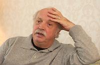 Jean Becker, film maker in a 2004 Interview.<br /> <br /> He directed  :<br />  Dialogue avec mon jardinier , Effroyables jardins <br /> ... aka Strange Gardens <br /> , Un crime au paradis <br /> . aka A Crime in Paradise, Les Enfants du marais, Children of the Marshlands ,  ?lisa<br /> <br /> , L' ?té meurtrier,  aka One Deadly Summer ,  Tendre voyou (aka Tender Scoundrel.