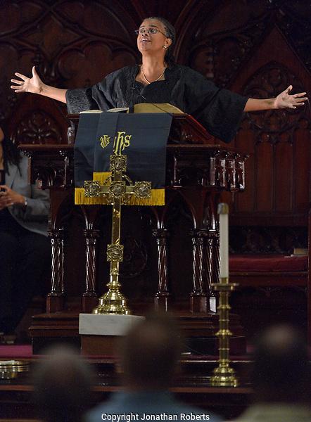Rev. Dr. Leslie Dawn Callahan speaks at the  Louisville Presbyterian Theological Seminary Black Church Studies, 30th Anniversary of the Louisville Grawemeyer Awards.