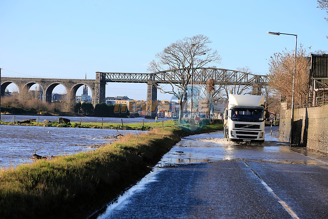 The river Boyne broke its banks and flooded roads by the river as the flood waters from the heave rain over the last few days gathered. Met Eireann are predicting more bad weather and flooding.<br /> Picture: Fran Caffrey www.newsfile.ie