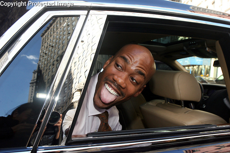NY Knicks basketball player Stephon Marbury leaving Manhattan Federal court after testifying in the  sexual harrasment lawsuit involving coach Isiah Thomas on Sept. 12, 2007 in Manhattan.