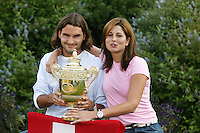 20030706, wimbledon , winner Roger Federer with girlfriend Mirka and the trophy