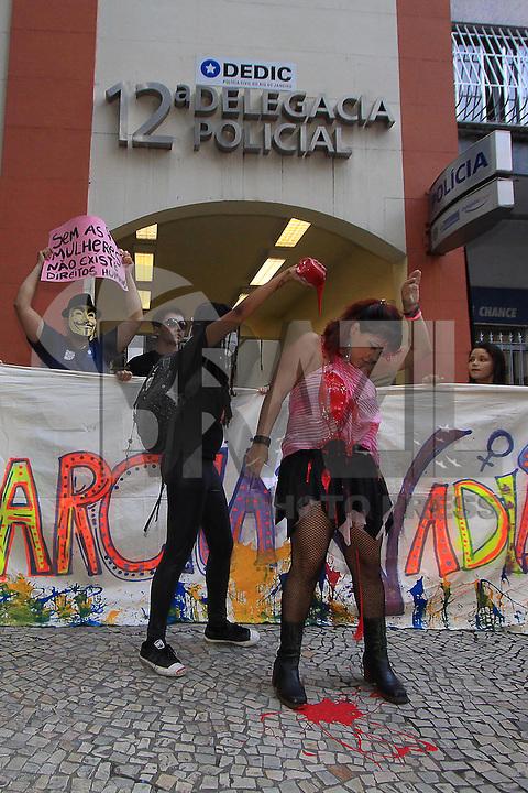 Rio de Janeiro,26 de Maio de 2012- Marcha das vadias, na praia de  Copacabana . Movimento feminista contra o sistema  patriarcal e racista, que  privilegia o mascullino sobre o feminino e obranco sobre o negro.<br /> Guto Maia Brazil Photo Press