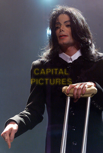 "MICHAEL JACKSON.Attends ""Michael Jackson Day"".The Apollo Theater,.London, 7th March 2001.www.capitalpictures.com.sales@capitalpictures.com.©Capital Pictures"
