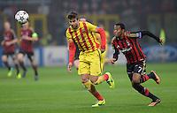 FUSSBALL  CHAMPIONS LEAGUE   SAISON 2013/2014   Vorrunde     AC Mailand - FC Barcelona       22.10.2013 Robinho (re, AC Mailand) gegen Gerard Pique (Barca)