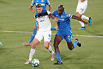Getafe CF's Allan Nyom (r) and Atalanta BC's Robin Gosens during friendly match. August 10,2019. (ALTERPHOTOS/Acero)