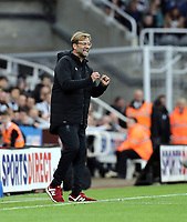 Liverpool manager Jurgen Klopp shouts instructions to his team from the dug-out <br /> <br /> Photographer Rich Linley/CameraSport<br /> <br /> The Premier League -  Newcastle United v Liverpool - Sunday 1st October 2017 - St James' Park - Newcastle<br /> <br /> World Copyright &copy; 2017 CameraSport. All rights reserved. 43 Linden Ave. Countesthorpe. Leicester. England. LE8 5PG - Tel: +44 (0) 116 277 4147 - admin@camerasport.com - www.camerasport.com