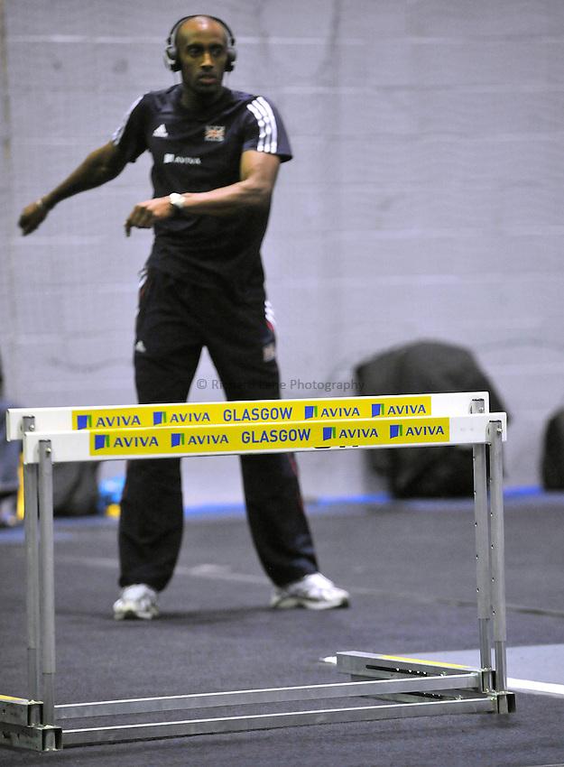 Photo: Paul Greenwood/Richard Lane Photography. Aviva International Match. 30/01/2010. .Athletes Warm up.