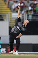 Seth Rance bowling.<br /> Pakistan tour of New Zealand. T20 Series.2nd Twenty20 international cricket match, Eden Park, Auckland, New Zealand. Thursday 25 January 2018. &copy; Copyright Photo: Andrew Cornaga / www.Photosport.nz