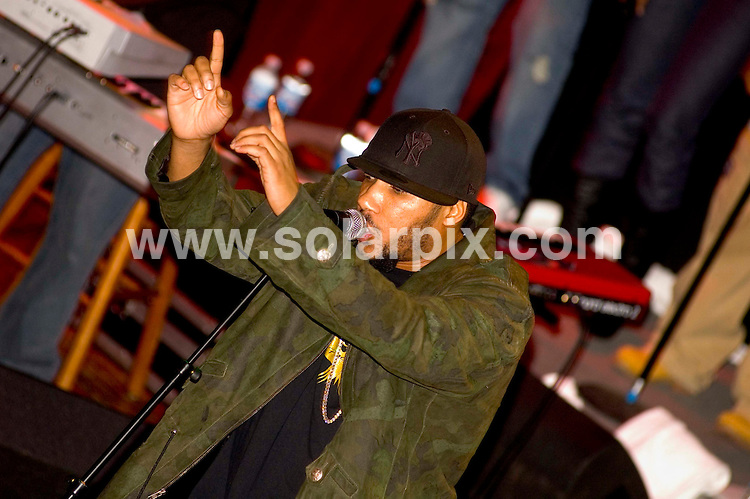**ALL ROUND PICTURES FROM SOLARPIX.COM**.Lyfe Jennings  on the Phoenix Tour - House of Blues Chicago - Chicago, United States on 20.11.06. JOB REF: 3092/PHZ..**MUST CREDIT SOLARPIX.COM OR DOUBLE FEE WILL BE CHARGED**