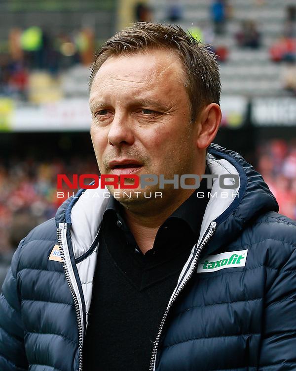 Andre BREITENREITER, Trainer SC Paderborn, Portrait, Portr&auml;t, Einzelbild, hoch, Fu&szlig;ball 1.BL Saison 2014/2015<br /> <br /> Foto &copy; nordphoto /  H.Konkel
