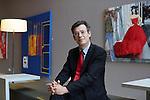 Emmanuel Nahshon, Gesandter der Botschaft des Staates Israel in Berlin. Porträtiert am 12.6.2014 in der Galerie Einstein in Berlin Mitte.