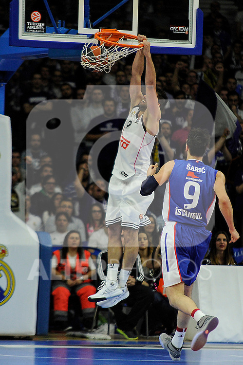 Real Madrid´s Felipe Reyes during 2014-15 Euroleague Basketball Playoffs match between Real Madrid and Anadolu Efes at Palacio de los Deportes stadium in Madrid, Spain. April 15, 2015. (ALTERPHOTOS/Luis Fernandez)