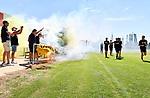 2018-07-15 / Voetbal / Seizoen 2018-2019 / Supporters groeten Lyra-Lierse op training / De spelers passeren de supporters op het moment dat het dorre gras vuur vat door het bengaals vuur<br /> <br /> ,Foto: Mpics