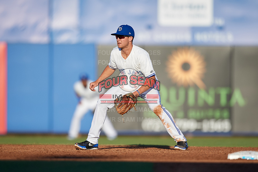 Dunedin Blue Jays shortstop Logan Warmoth (2) during a game against the Fort Myers Miracle on April 17, 2018 at Dunedin Stadium in Dunedin, Florida.  Dunedin defeated Fort Myers 5-2.  (Mike Janes/Four Seam Images)