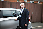 © Joel Goodman - 07973 332324 . 24/09/2016 . Liverpool , UK . JEREMY CORBYN leaves after a visit to Beaconsfield Community House in Birkenhead , following his victory declaration . The centre provides clothes and food that would otherwise be destined for waste from supermarkets , to local residents in need . Photo credit : Joel Goodman