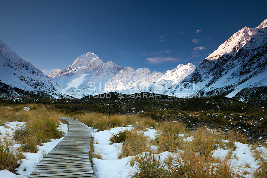 The Hooker Valley track gives spectacular views of Mt Cook on the way to Hooker Lake